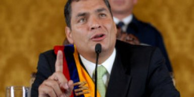 Liveran a Rafael Correa con Sangre y Fuego